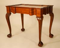 Reproduction Table, Mahogany, 32-1/2 x 19-3/4 x 27